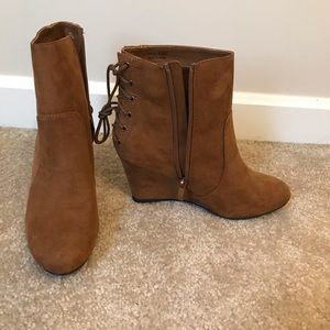 NWT brown lace up booties!! Never worn size 6.5